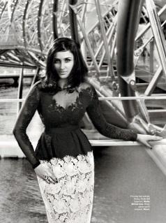 Sexy Parineeti Chopra in Harpers Bazaar India Magazine Photo
